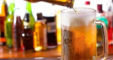 alcool sostanza nociva per cani e gatti
