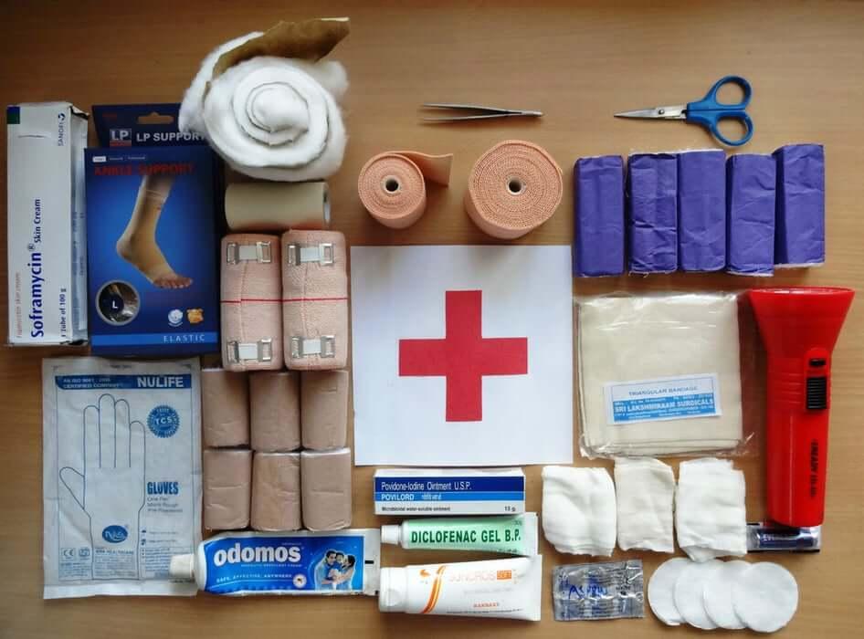 esempio kit pronto soccorso di base